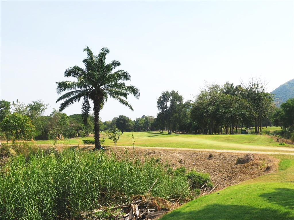 Kaeng Krachan Country Club & Resort