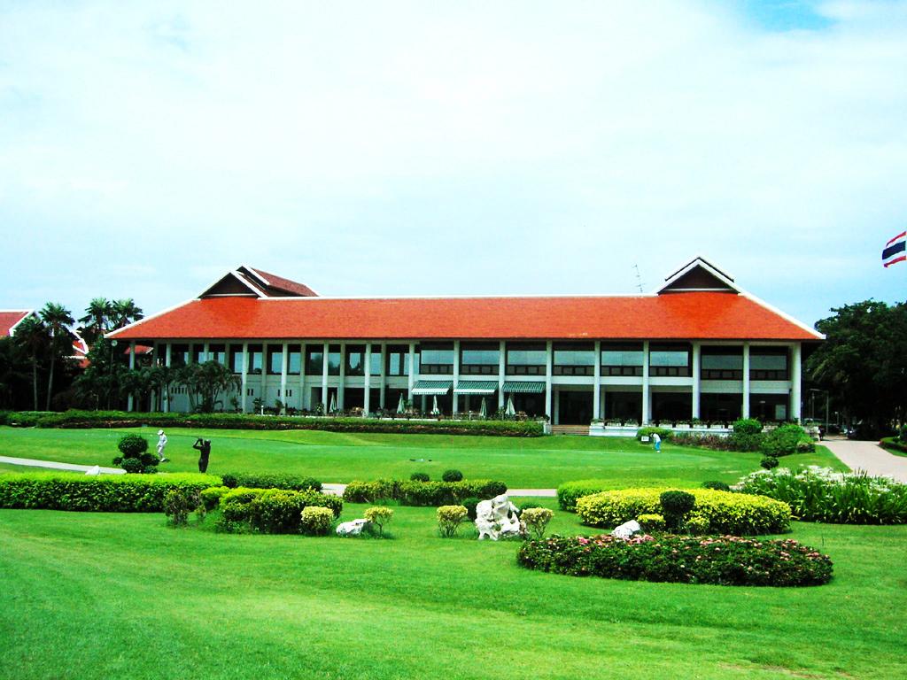 Pinehurst Golf & Country Club