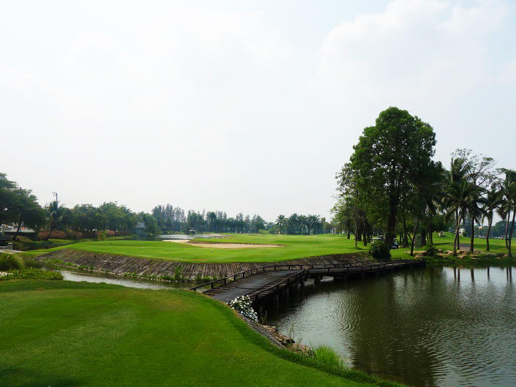 Summit Windmill Golf Club