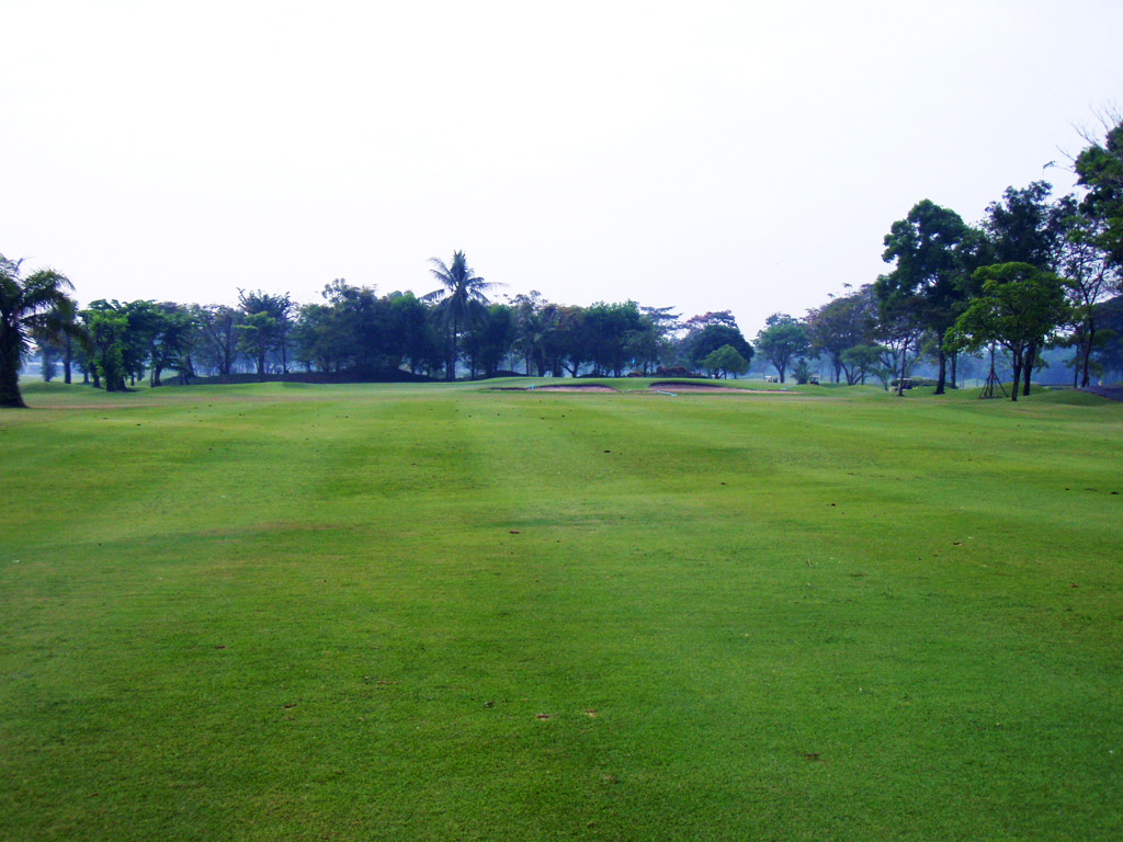 The Royal Golf & Country Club