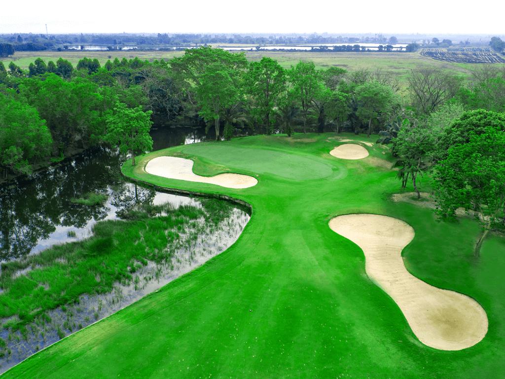 ウォーターミル ゴルフ & ガーデンズ